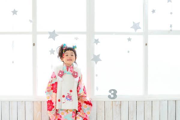 沖縄県の浦添で七五三撮影着物来てる女の子
