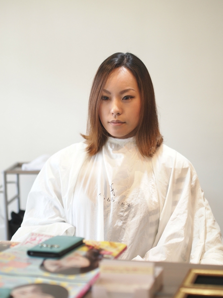バッサリ刈り上げ女子 沖縄美人のツーブロックヘアスタイル ビフォアー&アフター写真2