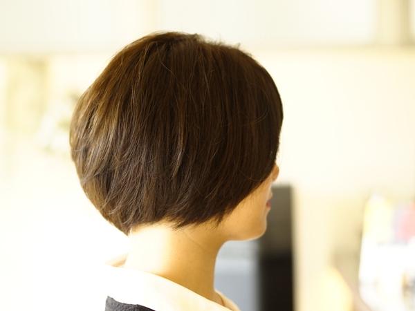 女性のヘアスタイルでツーブロックスタイル サイド五厘刈り上げ2
