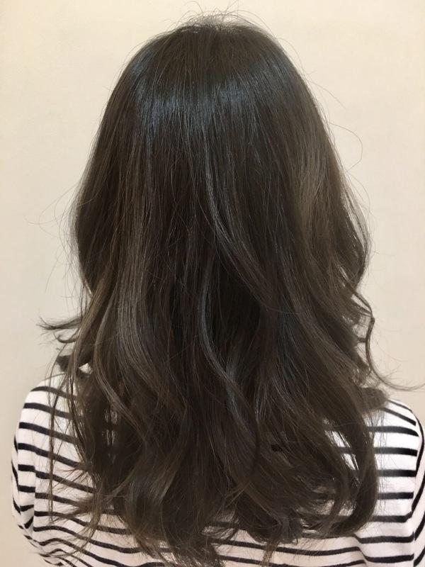 沖縄 北谷 美浜 美容師 グレージュ カーキグレージュ 赤み除去