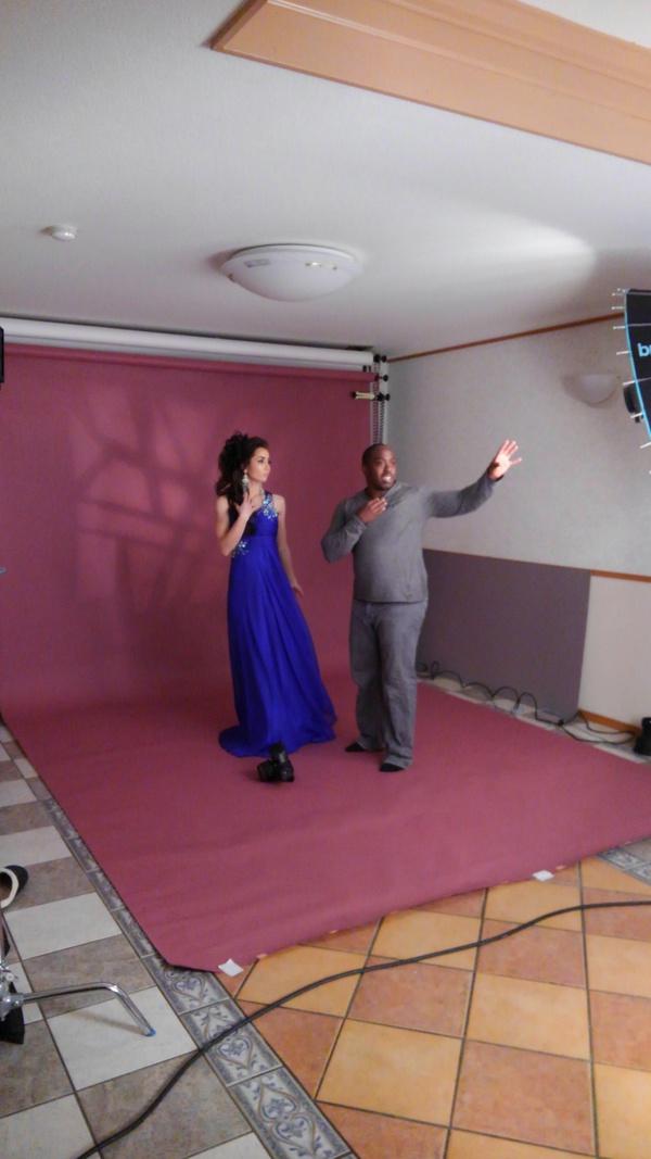 沖縄県北谷町美浜の美容室パドドゥレキオの店長 池原と外国人カメラマン「マイケルさん」の沖縄美人モデル撮影
