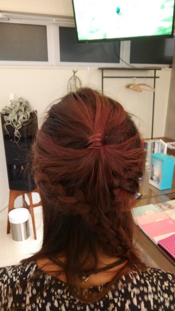結婚式およばれヘア金魚みたいな編みこみヘアアレンジ