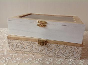 【作り方①】箱にペンキを塗るか、レースシールを貼ります